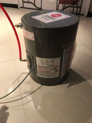 Electric hot water heater 20 gallons for Sale in Queens, NY