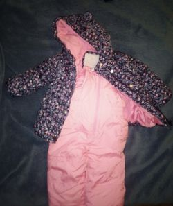 Girls snow and jacket! BRAND NEW! for Sale in Arrington,  VA