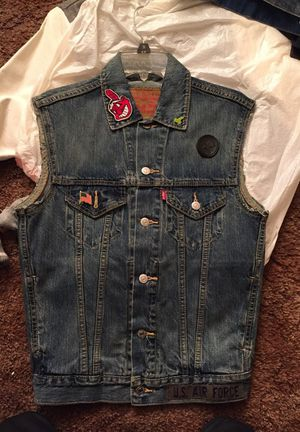 Levis for Sale in Cleveland, OH