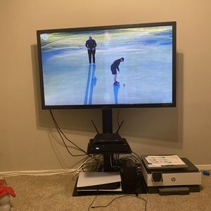 "55"" Inch Panasonic Smart Interactive 3D HDTV w/ Tv Stand for Sale in Waldorf, MD"