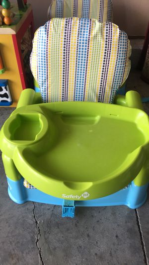 Safety First Booster Seat for Sale in Greensboro, NC