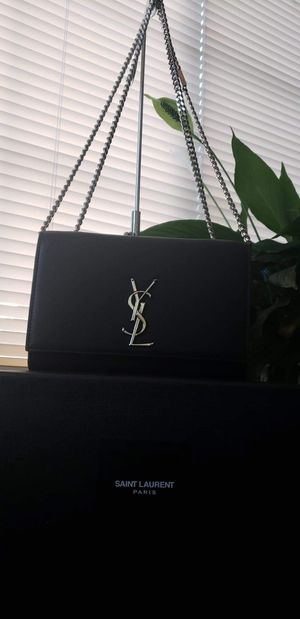 YSL Kate Medium with Silver Hardware!! Only used twice!! for Sale in Corona, CA