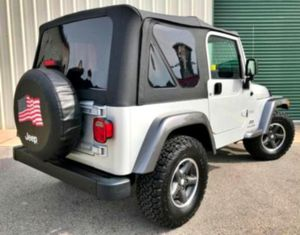 $12OO Only 2OO4 Jeep Wrangler Low Price for Sale in Baton Rouge, LA