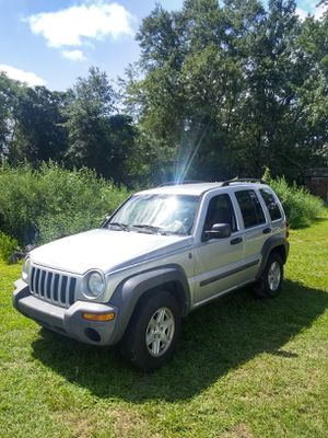 2004 jeep & 2005 Honda crv for Sale in Simpsonville, SC