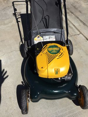 "YARD MAN PUSH lawnmower/lawn mower 5.0hp 20"" for Sale in Lake Los Angeles, CA"
