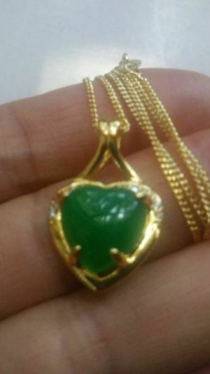 Shipping Gold Plated Green Jade Love Heart Imitation Diamond tiny Pendant Chain Necklace for Sale in Richmond, CA