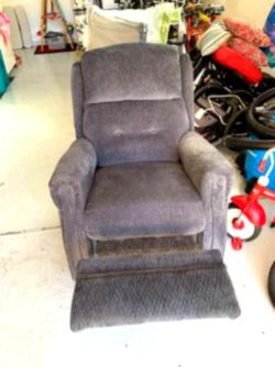 Wall Hugger Reclining Sofa Couch for Sale in Columbus,  OH