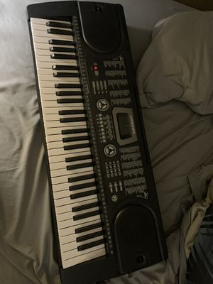 Hamzer keyboard with stand and seat for Sale in Kissimmee, FL