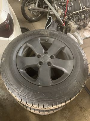 Jeep grand cherokee rims n tires for Sale in Mentor, OH