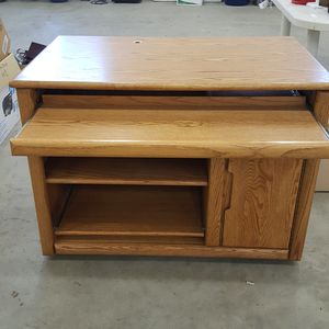 Solid oak computer desk for Sale in Leavenworth, WA