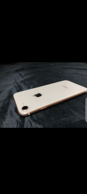 iPhone 8 in good condition no cracks white color for Sale in New York, NY