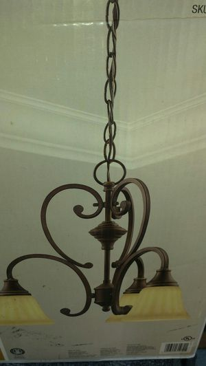 Hampton Bay Somerset chandelier for Sale in Honolulu, HI