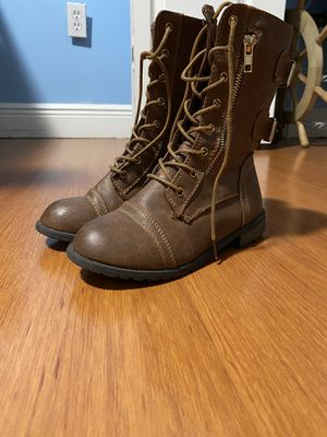 Girls size 3 brown boots for Sale in Miami, FL