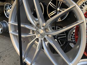 Inovit rims 20x8.5/10 et35 5-114.3 for Honda Accord Civic Toyota nissan infinity for Sale in The Bronx, NY