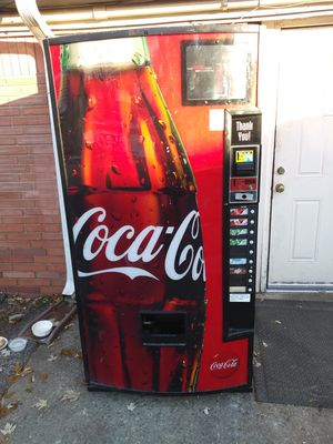 Great, used pop machine, works great. Take bottles and cans for Sale in Indianapolis, IN