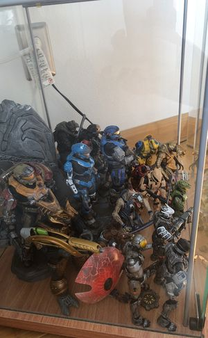 Halo Figure Lot for Sale in Kent, WA