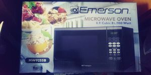 EMERSON .9cu.ft. Microwave 900W (MW9255B) for Sale in Portland, OR