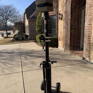 Hi-Pod Pro Endzone Camera Tripod and optional Camera equipment: for Sale in Frisco, TX
