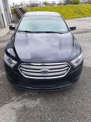 Ford Taurus 2014 for Sale in Elyria, OH