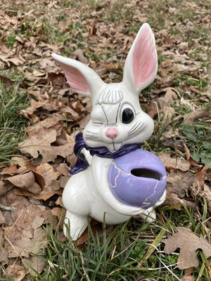 Peter Cotton tail bank VINTAGE for Sale in West Fork, AR