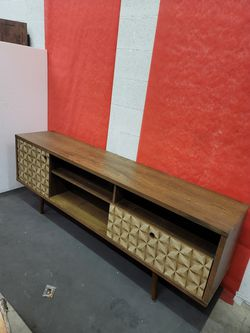 Tv stand L71xW15xH27 for Sale in Las Vegas,  NV