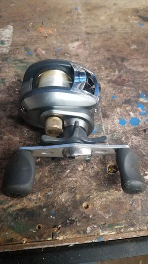 Shakespeare fishing reel for Sale in Midwest City, OK