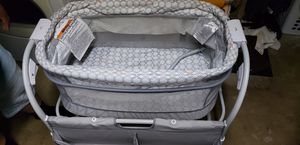 Bassinet for Sale in Victorville, CA