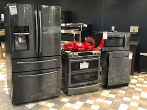 Full kitchen set for Sale in East Saint Louis, IL