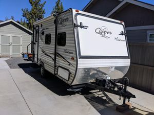 2016 Coachman Clipper Ultra lite Trailer for Sale in Bend, OR
