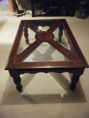Nice wood coffee table and end tables for Sale in Lake Stevens, WA