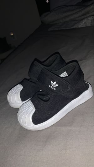 Toddlers Adidas Shoes (SIZE 7c) for Sale in Fort Washington, MD