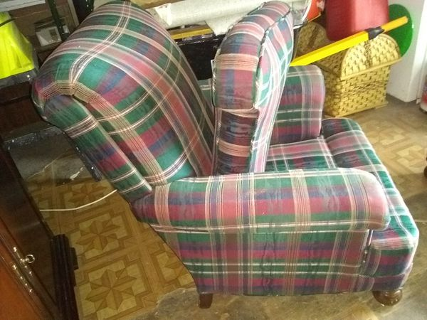 Eaten Allen chair and footstool AND I ONLY ACCEPT CASH UPON PICKUP