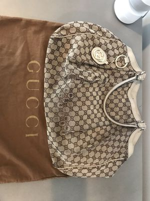 Authentic Gucci Large GG canvas Sukey Tote for Sale in Fort Lauderdale, FL