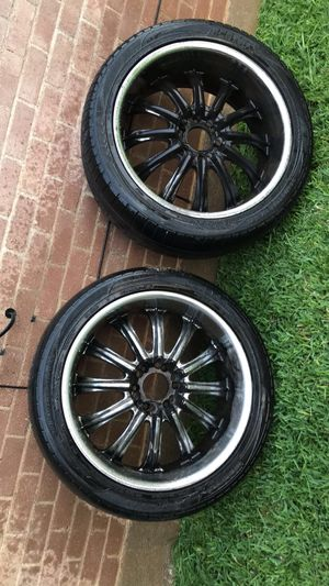 """22"""" rims with tires used , no caps on all four , plastic dip coming off for Sale in Dallas, TX"""