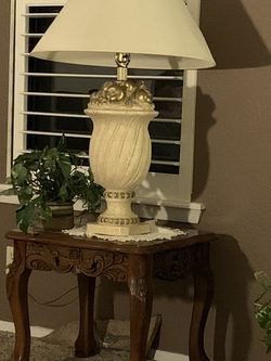 Lamp And End Table for Sale in San Angelo,  TX