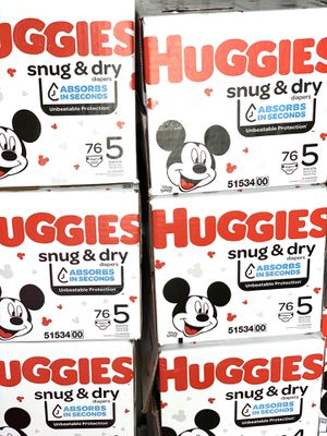 Huggies Snug dry size 5(76) diapers $24 per box for Sale in Gardena, CA