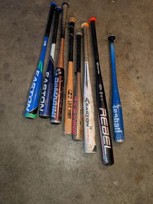Baseball and softball bats all for 35.00 for Sale in Palmdale, CA
