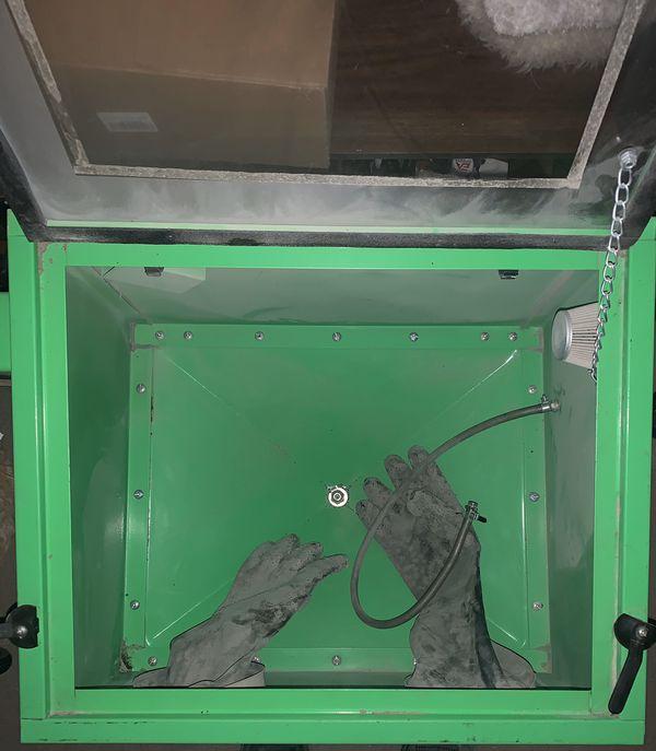 OEMTOOLS 24815 OEMTOOLS 24815 Bench Top Abrasive Blast Cabinet