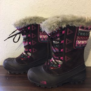 The North Face Girls shellista Lace snow boots sz 5 for Sale in Hialeah, FL