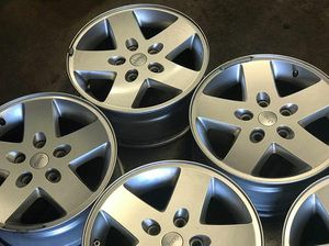 5 Rims 17s for jeep for Sale in Long Beach, CA