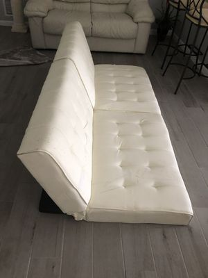 Faux leather futon. The material is peeling in areas. for Sale in Palm Harbor, FL