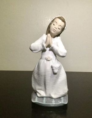 Vintage LLADRO Porcelain Figurine Girl at Prayer Communion, MINT ! for Sale in Brooklyn, NY