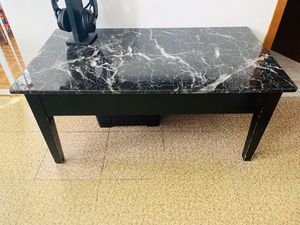 Coffee Table Faux Marble Lift Top for Sale in Brooklyn, NY