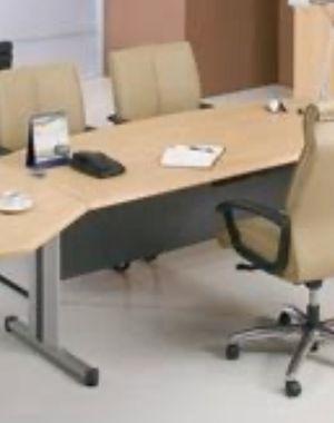 Long heavy duty desk for Sale in Everett, WA