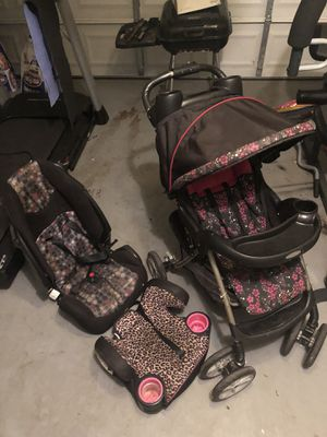 Graco Quick Fold stroller booster seat and Car seat all for $40 it is used and needs some cleaning but it works perfectly well and it's at a cheap pr for Sale in Decatur, GA
