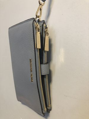 Michael Kors wallet for Sale in Chicago, IL