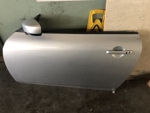 Infiniti G37 parts coupe 2dr left door for Sale in Houston, TX