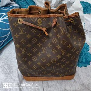 Louis vuitton bucket bag for Sale in Longview, TX