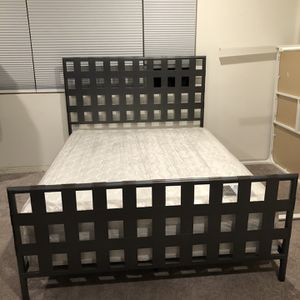 Queen Bed With Mattress for Sale in Ontario, CA
