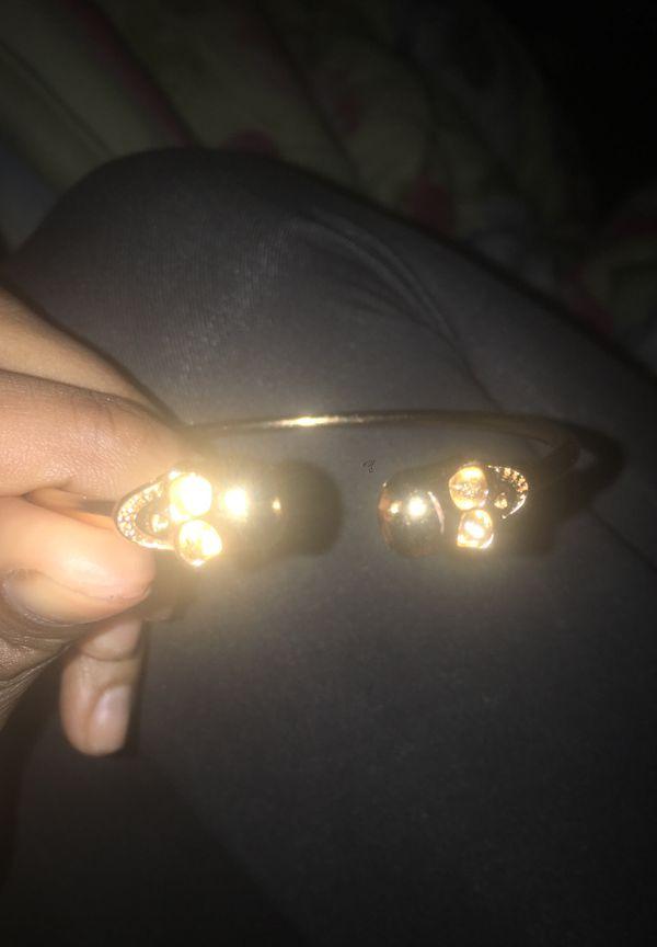 Gold skull bracelet brand new